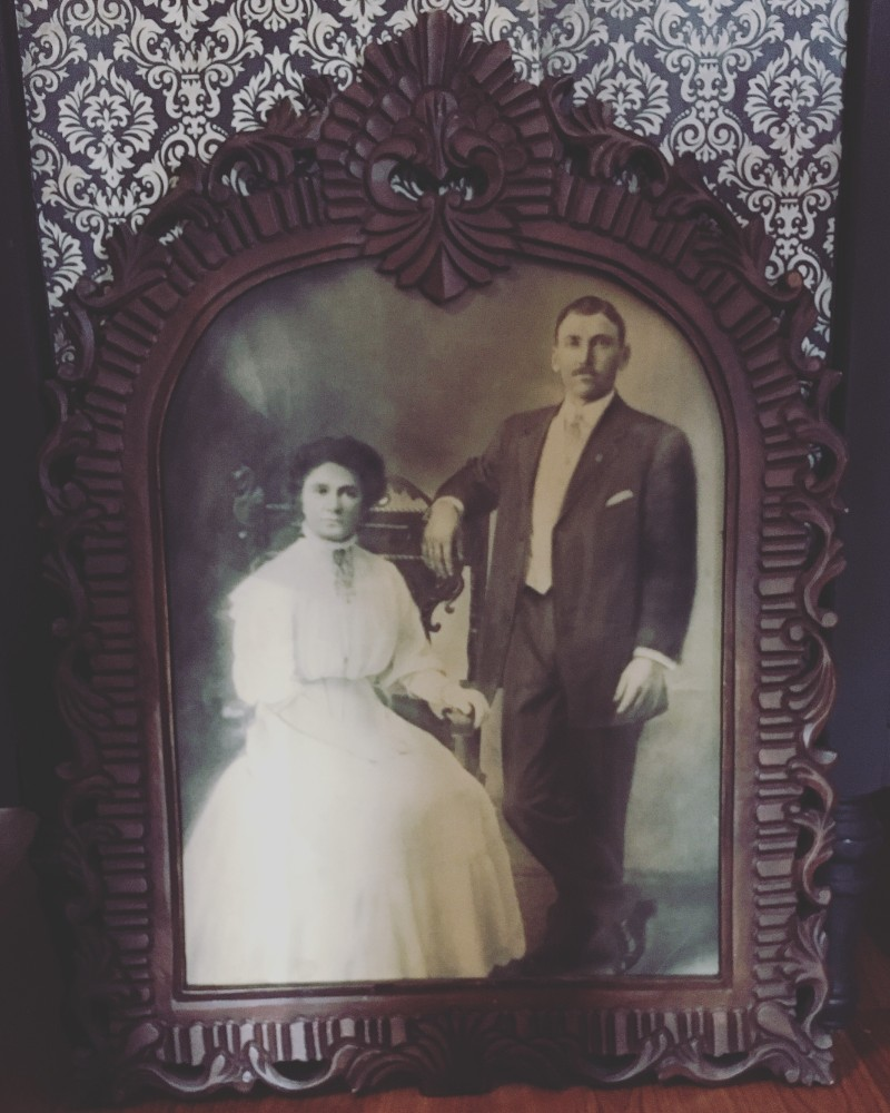 Vintage couple photo at Alchemy and Ashes